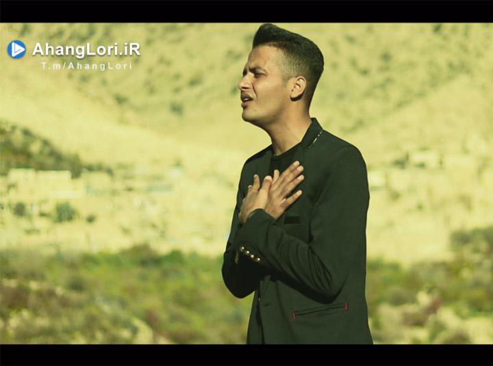 دانلود موزیک ویدیو جدید دانیال هوشیاری به نام دی (مادر)